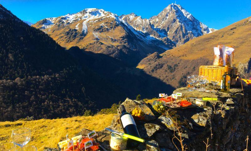 Seminaire-pyrenees-La Mongie-team-building-activite-chiens-de-traineaux-cani-randon-pique-nique-randonnee-pic-du-midi-emotion-tourmalet-aperitif-agence-evenementielle-erronda-pays-basque-voyage-22