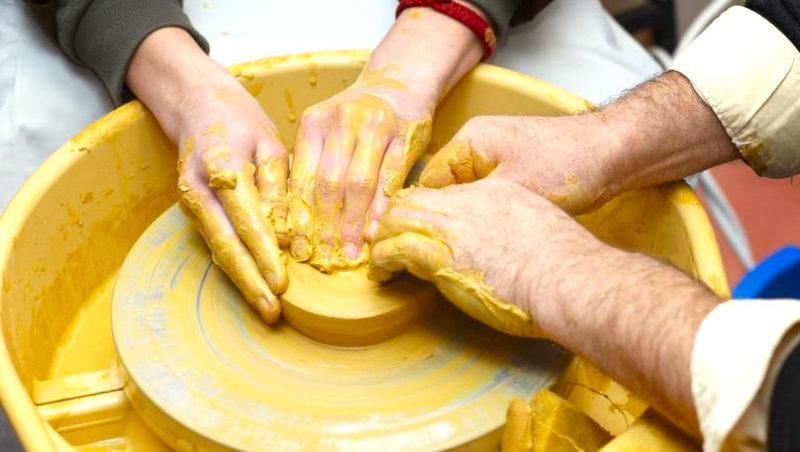seminaire team building creation artistique parfum fragrance pays basque biarritz san sebastian emma lapassouze agence evenementielle erronda sculpture peinture art-6