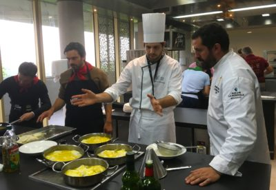 Team building cours de cuisine biarritz san-sebastian saint sebastien seminaire team-cooking-incentive-culinaire-basque-culinary-center-agence evenementielle pays basque erronda