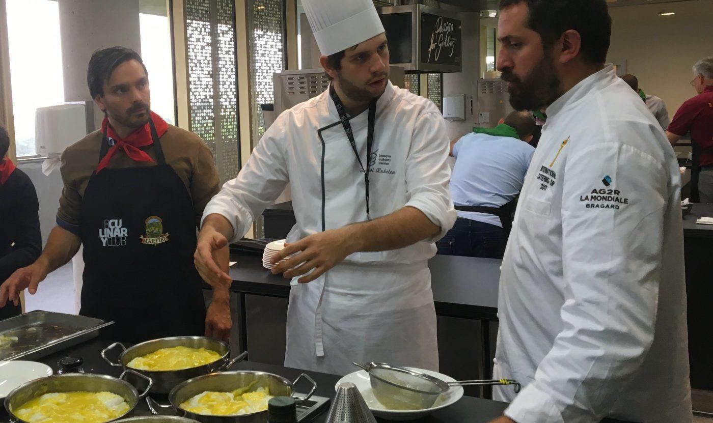 Team building cours de cuisine tapas la cuisine d 39 erronda - Cours de cuisine gastronomique ...
