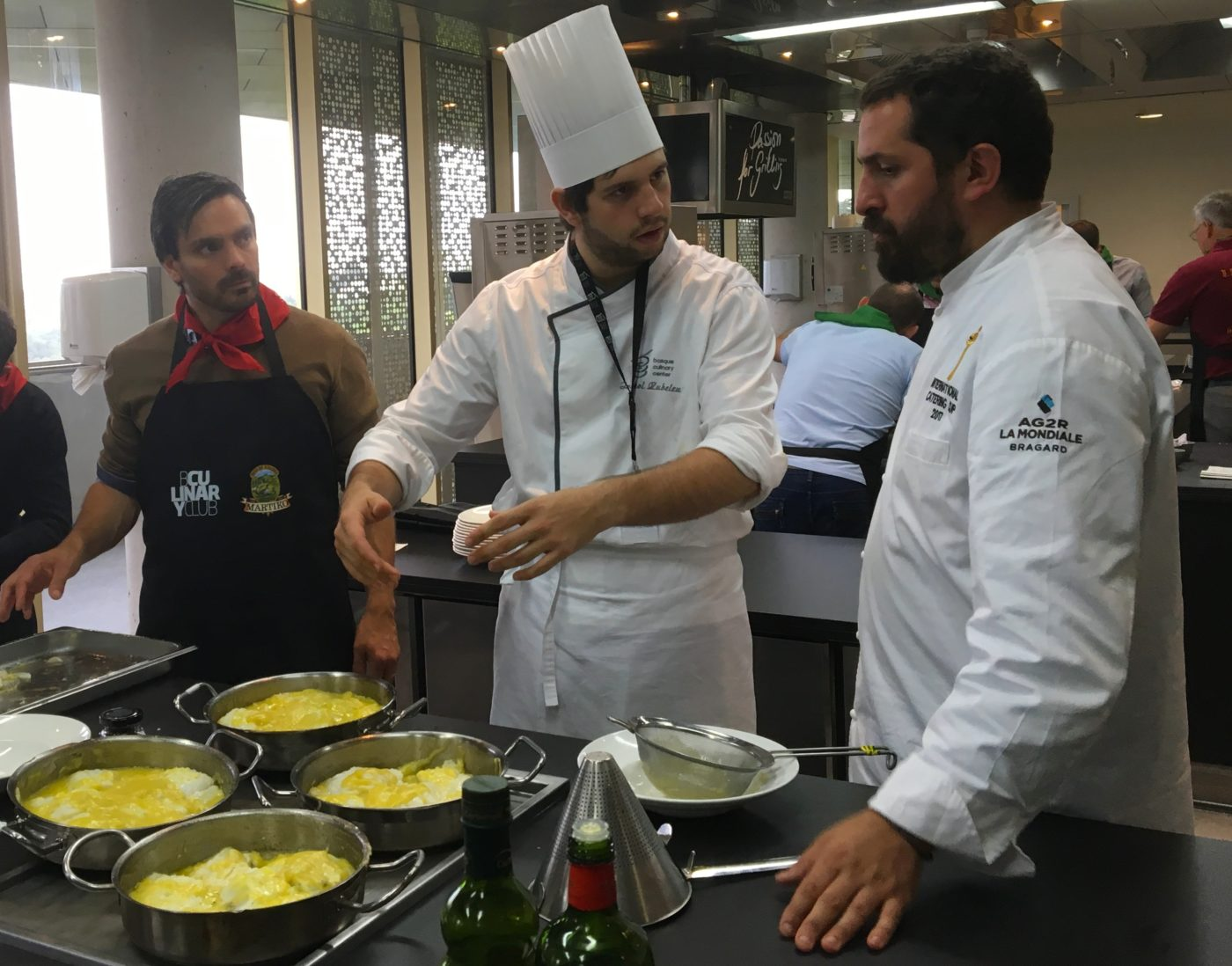 Seminaire team building cuisine Gastronomique agence evenementielle-erronda pays basque hendaye saint sebastien cours de cuisine basque culinary center fontarrabie-