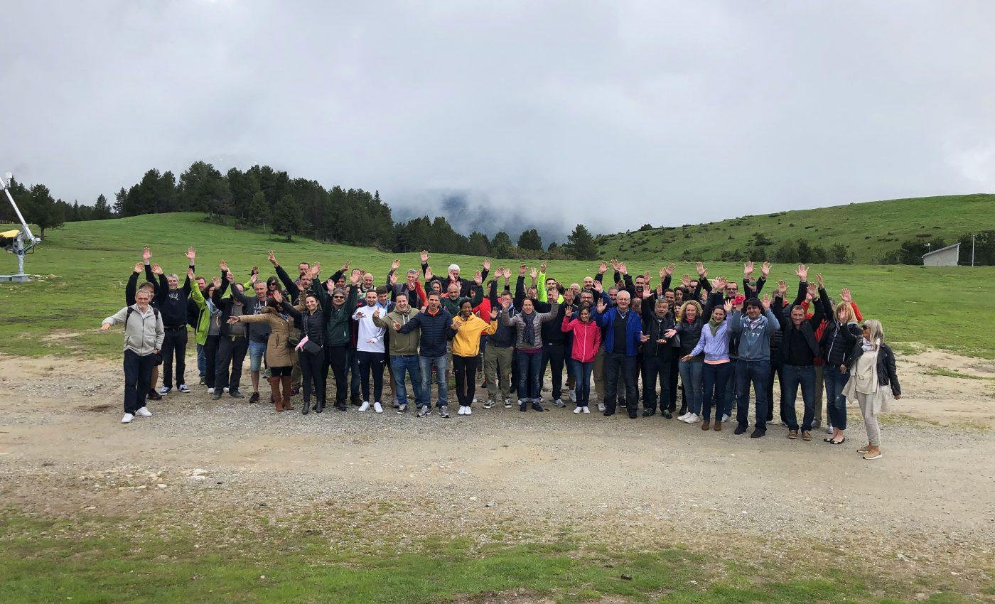 Team building réunion sauvage neige chevaux repas champs chevaux sud ouest Pyrénées