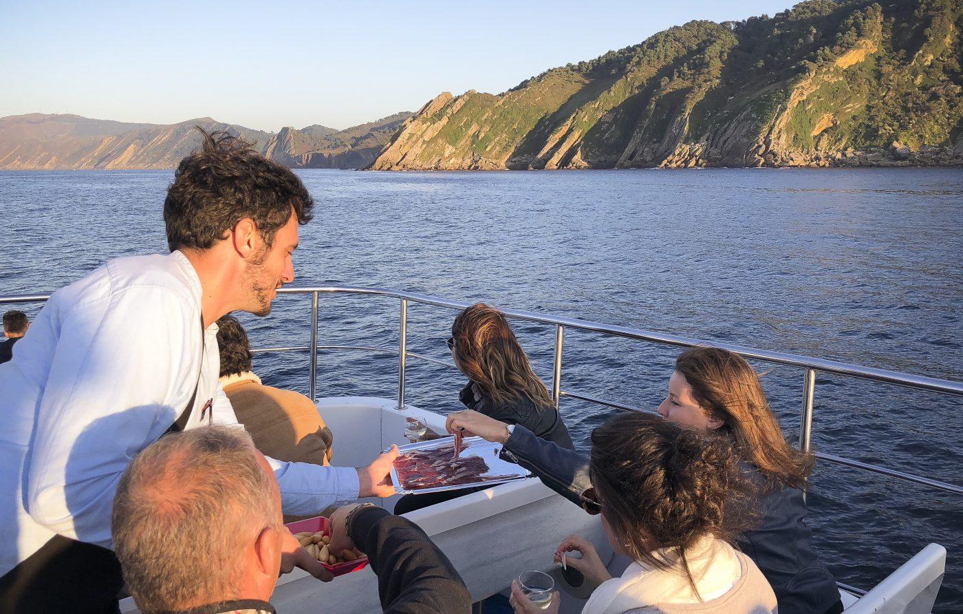 croisiere photographie soiree bateau gastronomie decouverte pays basque voyage san sebastian catamaran pasajes ocean agence visite evenementielle saint jean de luz erronda