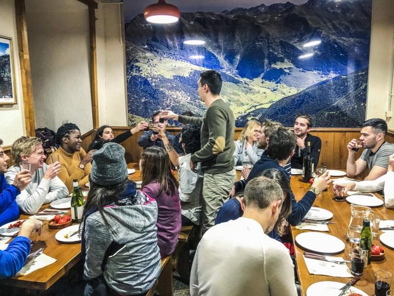 agence evenementielle receptive pays Basque erronda seminaire team building incentive event saint jean de luz pyrenees la mongie baqueira formigal construction raquettes randonnée diner refuge convivial