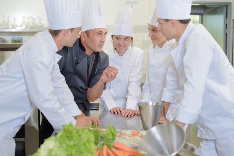 intervention coaching chef cuisinier brigade biarritz san sebastian pays basque agence evenementielle erronda pays basque seminaire