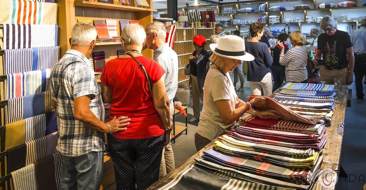 maison lartigue ascain photographie incentive journee decouverte pays basque voyage visite atelier piment poteries charcuterie producteur nature agence evenementielle saint jean de luz erronda
