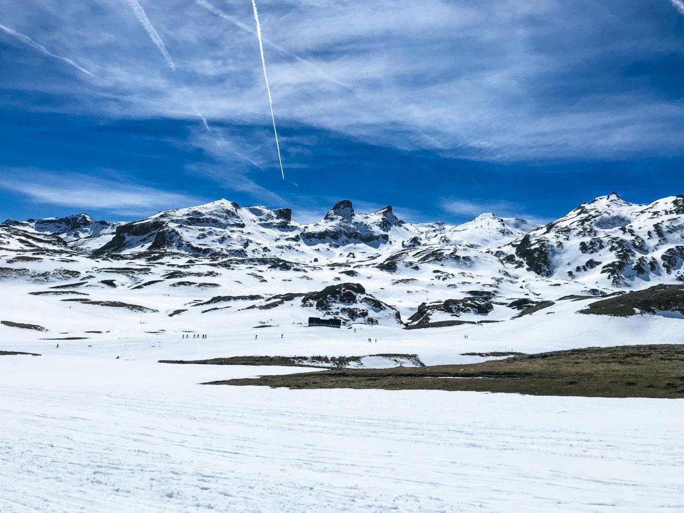 agence événementielle réceptive voyage pays basque erronda séminaire team building saint jean de luz formigal montagne paysage neige vacances pyrénées