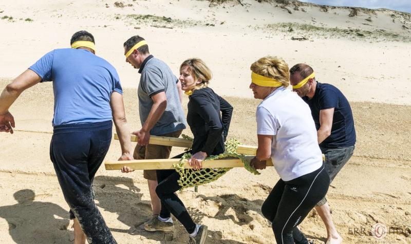 agence de voyage évènementielle pays basque landes Incentive nature foret plage Koh lanta team building yoga course d'orientation équipe aveugle sable