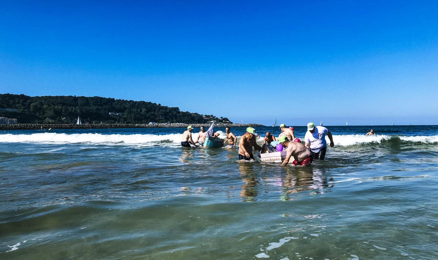 agence evenementielle receptive pays basque erronda seminaire team building creatif incentive event saint jean de luz hendaye Barco loco plage ocean recyclage construction bateau carton reclyclage