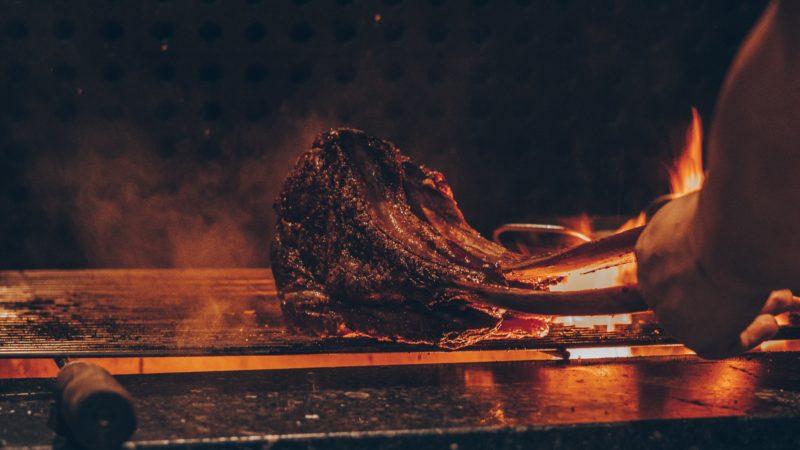 seminaire mongie pyrénées agence erronda tema building event pays basque voyage chalet cheminée grillades barbecue feu